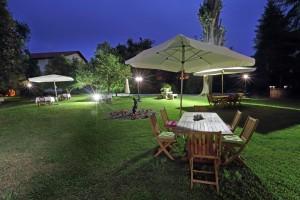 Nocturna Jardín